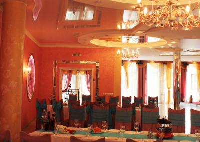 white_piano_ballroom12