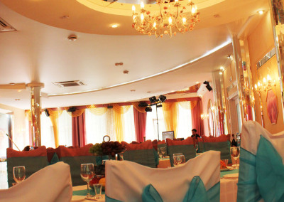 white_piano_ballroom15